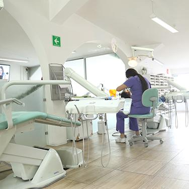 clinica_dental_espacio_de_trabajo_bracket_center